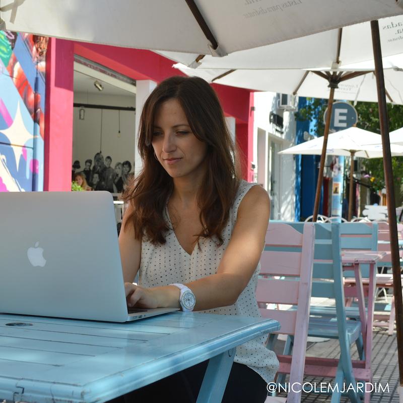 Nicole Jardim - Working